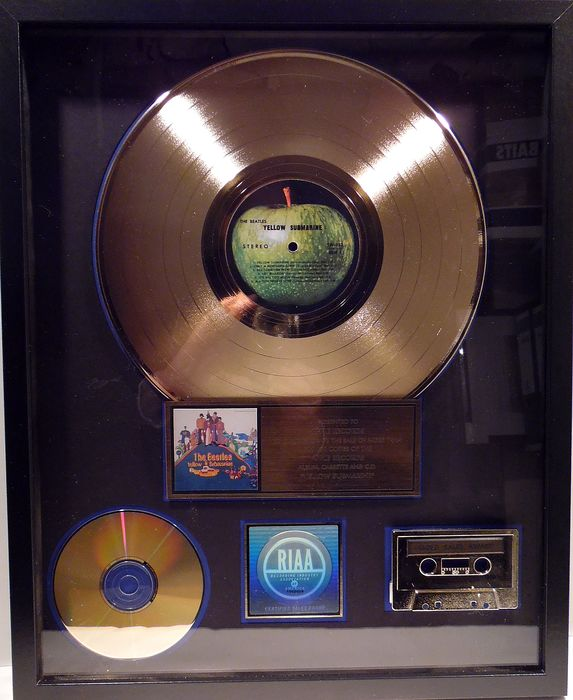 Beatles - Yellow Suibmarine - Officiële RIAA award - 2000