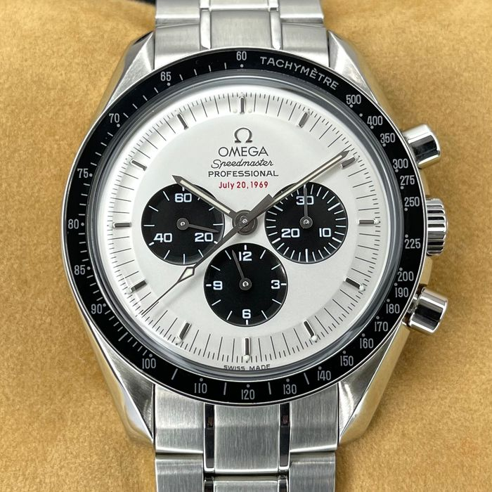 Omega - Apollo 11 Speedmaster 35th Anniversary - Panda Dial - 3569.31.00 - Men - 2011