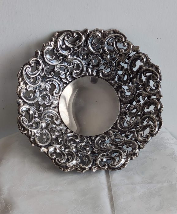 Particular basket perforated and richly embossed - .800 silver - Italy - Second half 20th century