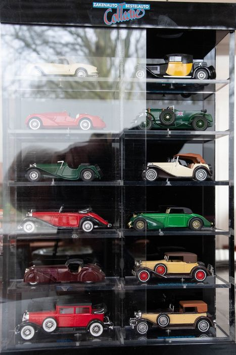 Brumm / Matchbox / Lesney / Solido - 1:43 - 12x Diverse merken / modellen - Business Car Collection / Delivery Van Collection