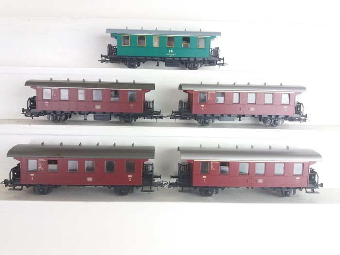 Roco H0 - Passenger carriage - 5 compartment cars - DB, DR (DDR)