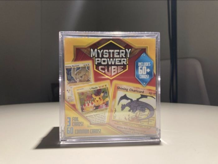 Pokémon - 箱 Mystery power cube US Exclusive - 2020