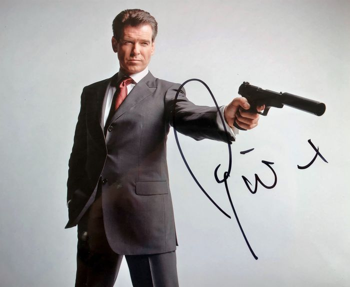 James Bond 007: Die Another Day - Pierce Brosnan is 007 - Foto, Handtekening, Signed with Certified Genuine b´bc holographic COA