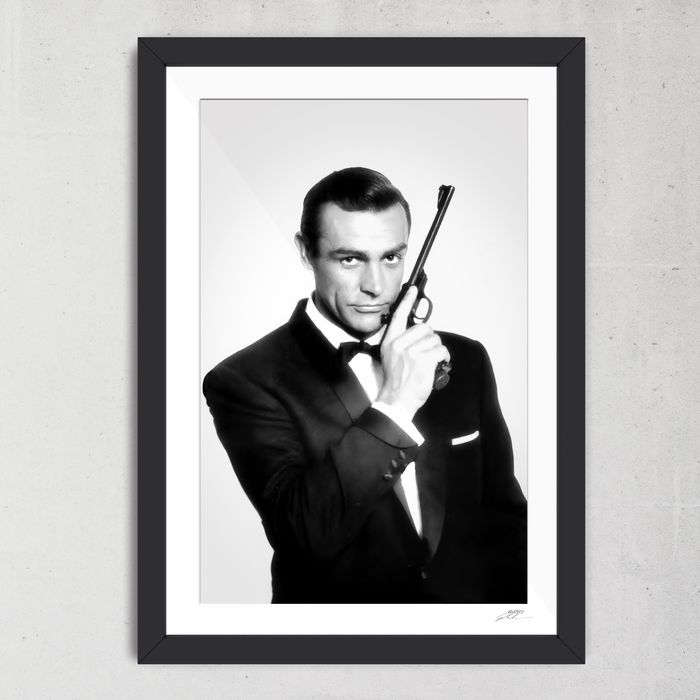 James Bond 007: Dr. No - Sean Connery as 007 - 1 - Foto, Framed. with Coa - nr 03/50 - 70X50 cm