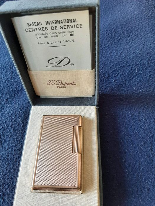 Vintage Gold Plated S.T. Dupont lighter Period 1973 with Box and inserts. - Briquet