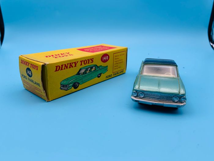 Dinky Toys - 1:43 - Ford Fairlane N°148