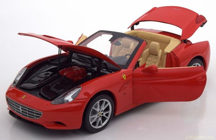 Hot Wheels - 1:18 - Ferrari California Spider - Color red