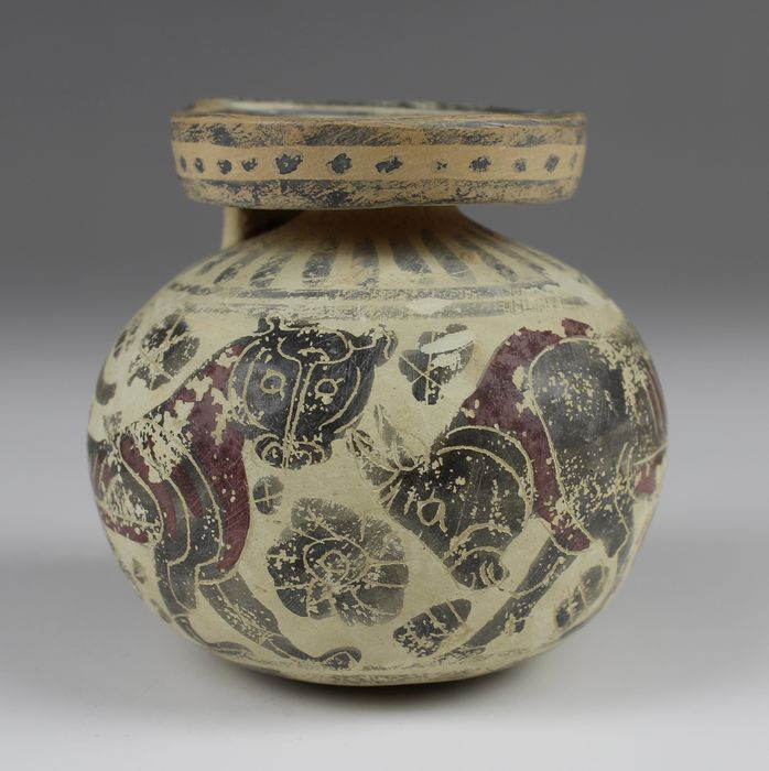 Ancient Greek Pottery Aryballos with panther, bull and swan - 60×65×0 mm - (1)