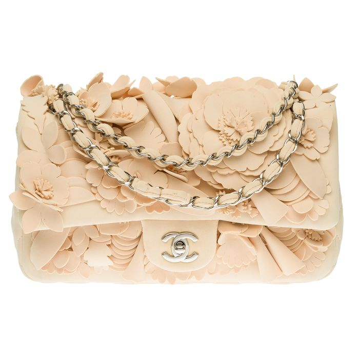 Chanel - Ultra Limited Dubai Cruise Collection Timeless Camelia in beige neoprene Bolso de mano