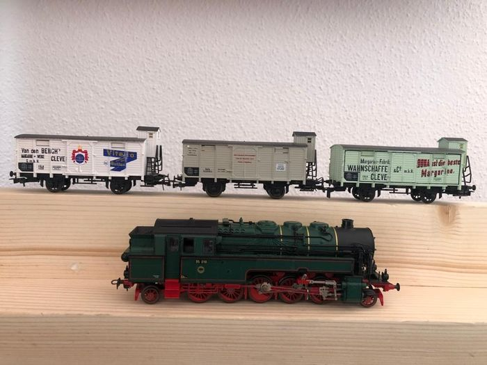 Liliput H0 - 895 - Train set - with BR 95 tank locomotive and 3 different freight cars - DRG