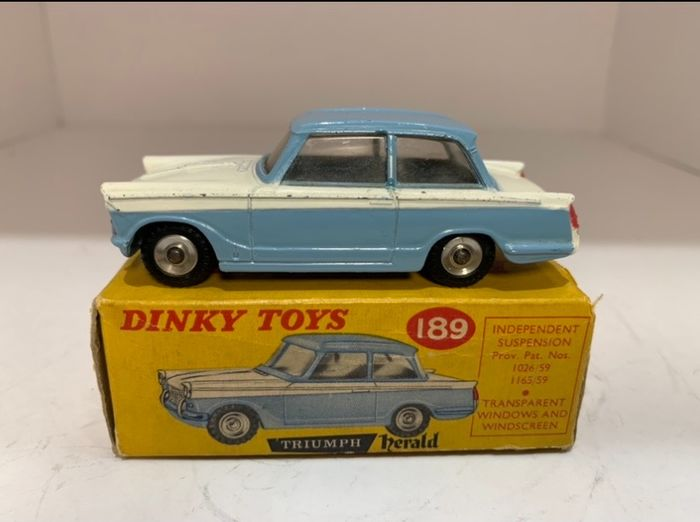 Dinky Toys - 1:48 - Dinky toys 189 - Triumph Herald Saloon