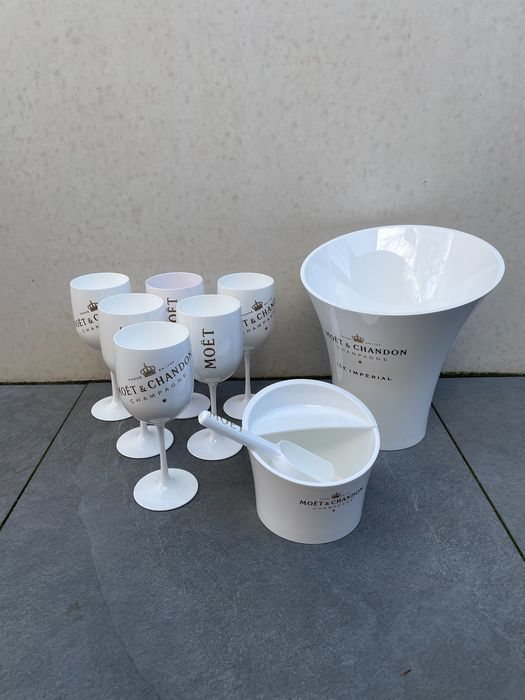 Moët & Chandon Ice set in white acrylic containing ice-bucket, ice-cube scoop and bucket, 6 glasses - Champán