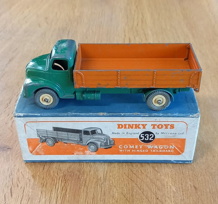 Dinky Toys - 1:43 - 532 comet wagon