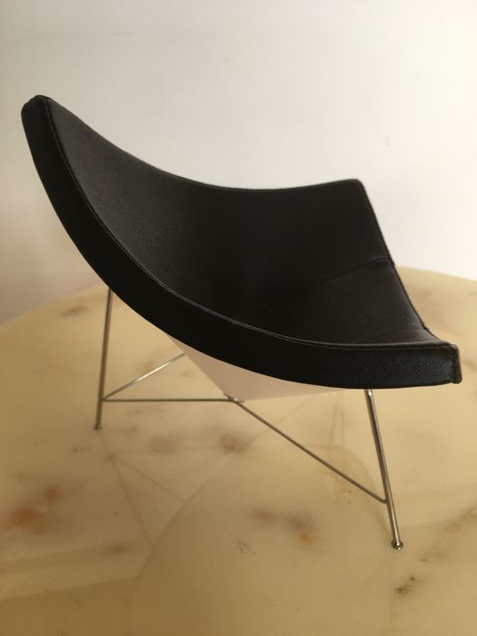 George Nelson - Vitra Design Museum - Miniature Chair - Coconut Chair