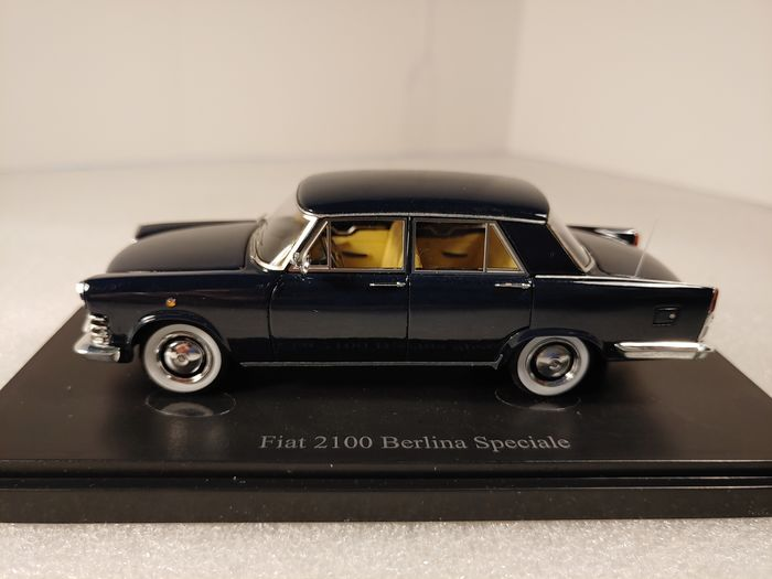Autocult - 1:43 - Fiat 2100 Berlina Speciale Dark Blue 1959 - limited edition 2018 / 333 pcs.