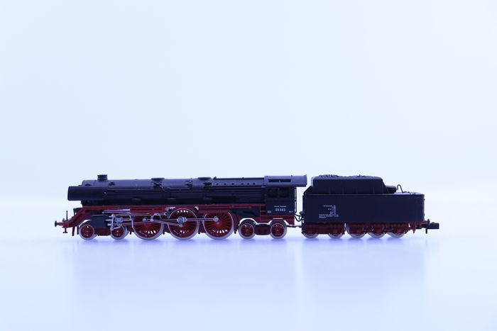 Arnold N - 2215 - Steam locomotive with tender - BR 05 - DB