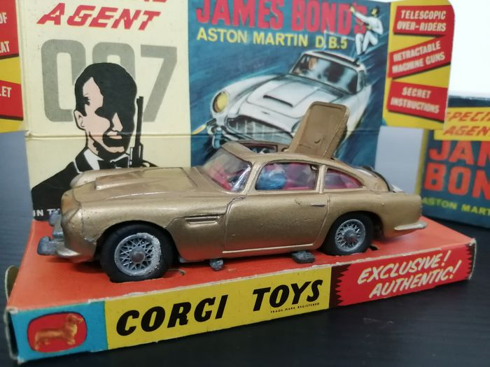 Corgi - 1:43 - 007 James Bond - Aston Martin DB5 no. 261 - 1serie