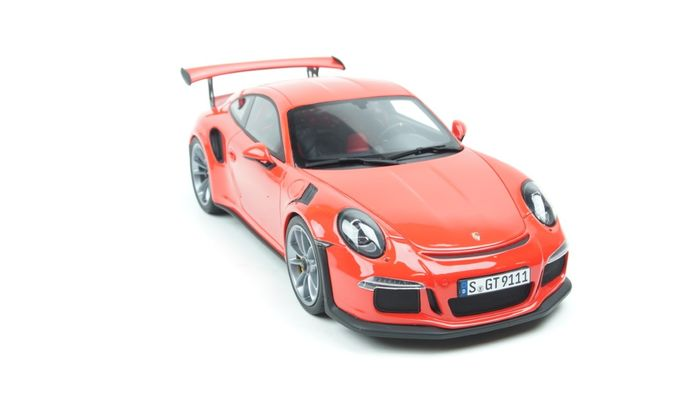 GT Spirit China Edition - 1:18 - Porsche 911 GT3 RS Lava Orange 1:18 - Limited edition 1 of 888 Units