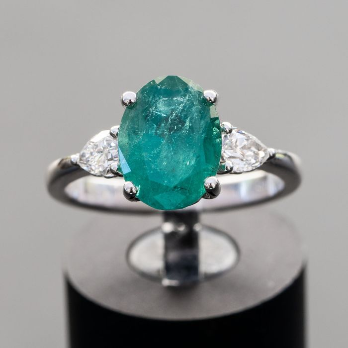 Natural Emerald and Diamond  Ring - 14 kt Weißgold - Ring - 2.76 ct Smaragd - 0,51 ct Diamanten D / VVS