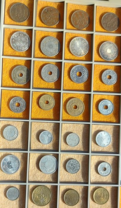 Japan. Collection of 28 coins (1-5 Sen) mainly from WWII period, incl. silver coin