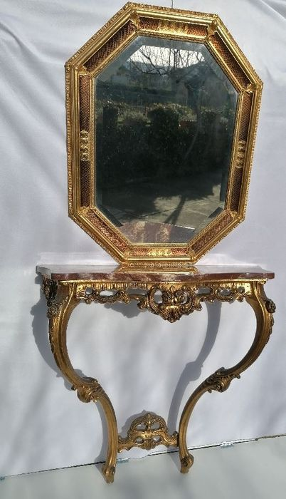 Console table, Wall mirror
