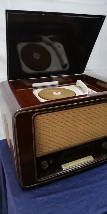 Phonola - A volvole - Multiple models - Radio, Record player