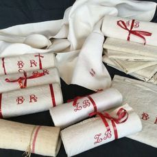 14 Large antique French kitchen towels with elegant red-colored embroidered initials (10) - Linen, initials BR, AB, LB & EF - ca 1920-1930 France
