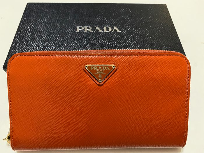 Prada - Women's wallet
