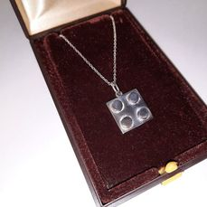 LEGO - Promotional - Gift for staff members of The LEGO Group Silver necklace + original box - 1970-1979 - Denemarken