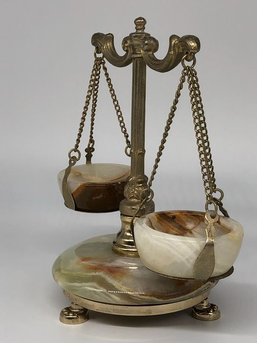 Decorative scale - Onyx marble and golden brass - Early 20th century