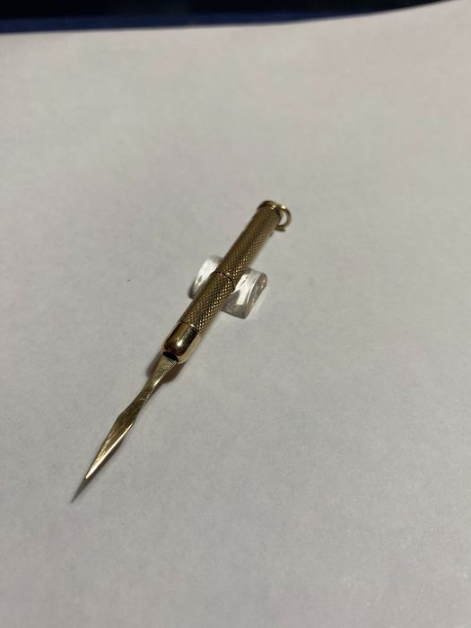 Toothpick gold .375 (1) - Gold - England - Mid 20th century