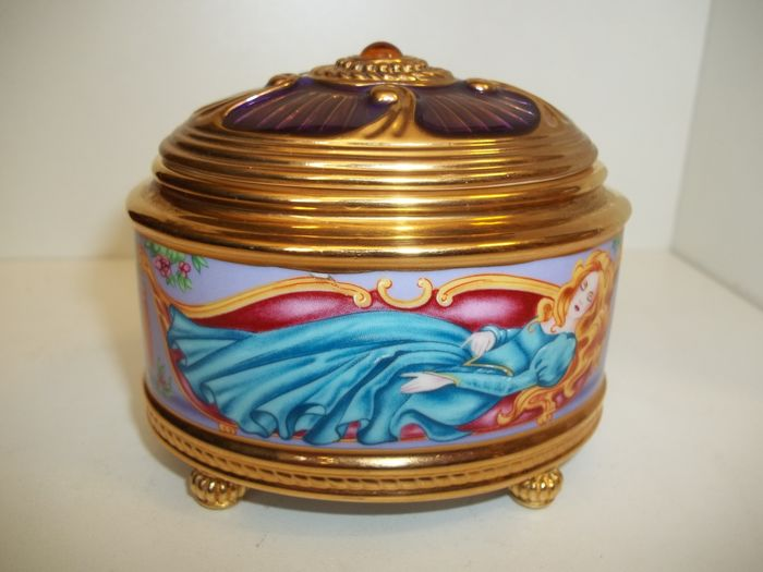 """House of Fabergé - """"Sleeping Beauty"""" music and jewelery box - 24 Carat gold plated - Limited Edition - Marked on the bottom - Very, very good condition."""