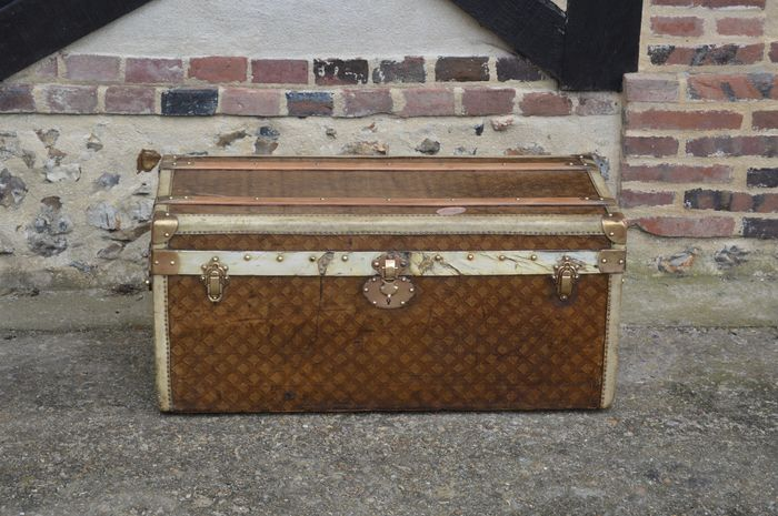 Other brand Trunk