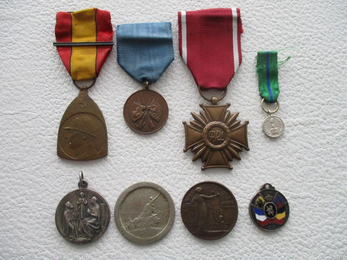 Various Countries - medals, including World War 1. - Medal