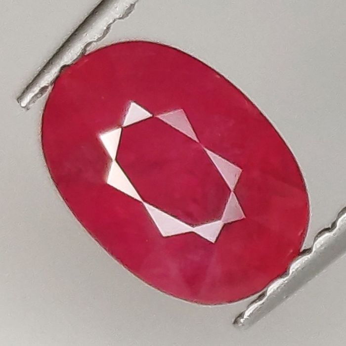 Red Ruby - 1.62 ct