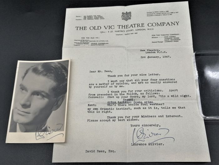 David Rees - Authentic photograph of Laurence Olivier with signature and signed letter, dated to 1947. - 1947