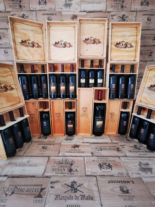 Castello Banfi Collection of 10 Original Wooden cases various size : Brunello-Excelsus-Summus - Toscana - 1 double magnum (300cl.), 3 magnums (150cl.) and 18 bottles (75cl.)