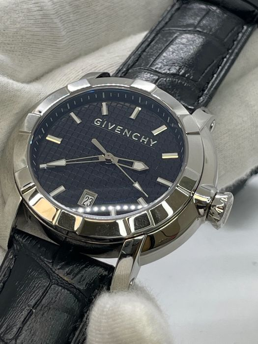 Givenchy - Stainless steel 36mm - Damen - 2011-heute