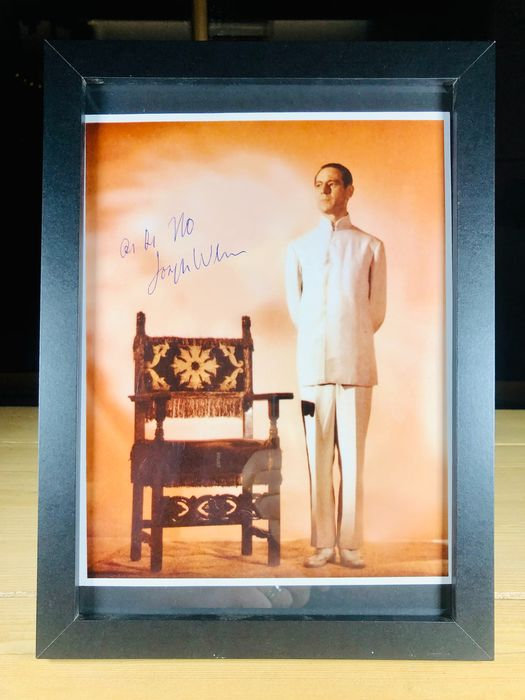 James Bond 007: Dr. No - Joseph Wiseman (+) as Dr. No - Foto, Handtekening, Signed with Certified Genuine b´bc holographic COA - Framed
