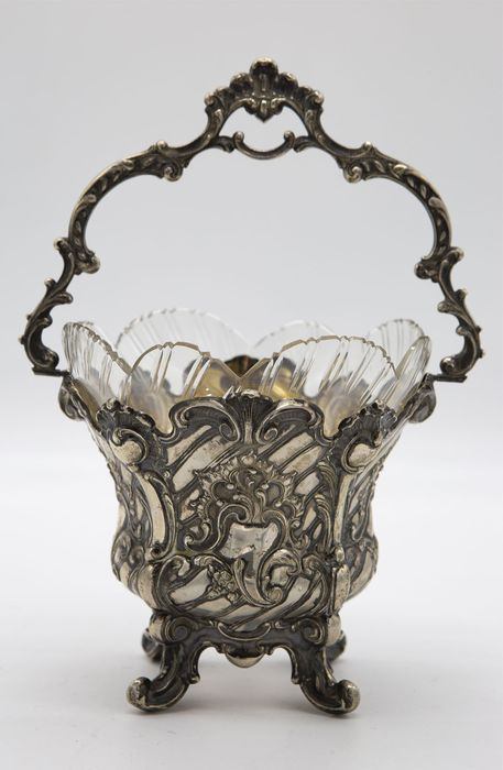 Basket in embossed and chiseled silver with internal cup in cut crystal - around 1850 (1) - .800 silver, crystal - Germany - Early 20th century