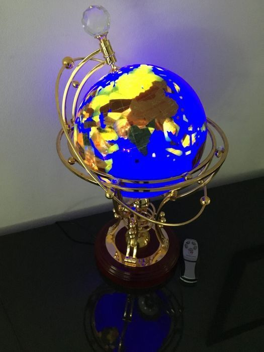 Illuminated globe in brass holder with remote control - Plastic, brass, wood