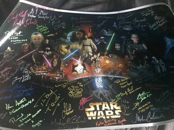 Star Wars - Unique Lot, signed by 35 stars from a galaxy, far far away - Collected in person at conventions - Autografo, Poster, see images and description