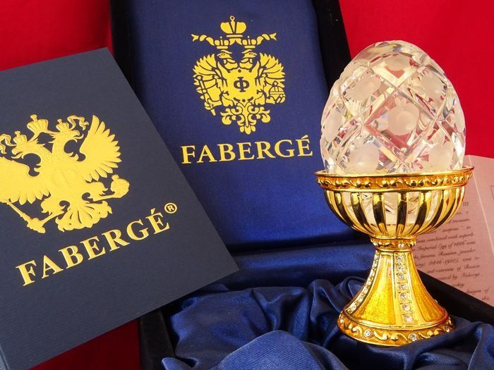 Faberge style egg - Hand finished - House of Faberge - Uovo imperiale (1) - Base in cristallo oro 24 carati