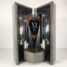 Macallan M Black - Lalique Decanter - 2019 Release - Original bottling - 700ml
