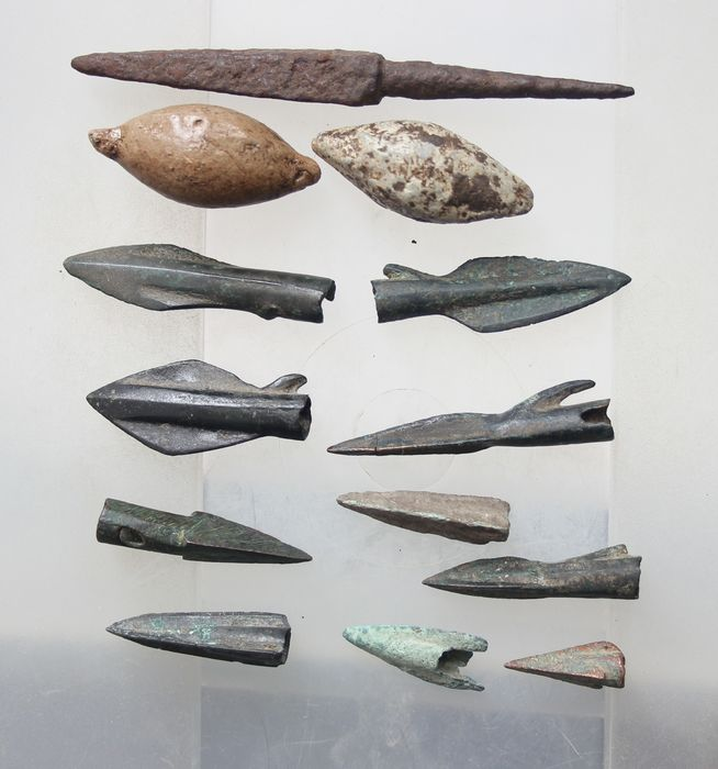 Ancient Roman Bronze Lot of 10x Bronze and Iron Arrowheads and lot of 2x Lead Sling Bullets 1