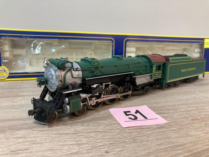 """AHM made by Rivarossi H0 - 5087-12 - Steam locomotive with tender - Type """"CL"""" - 1401 - Southern Pacific"""