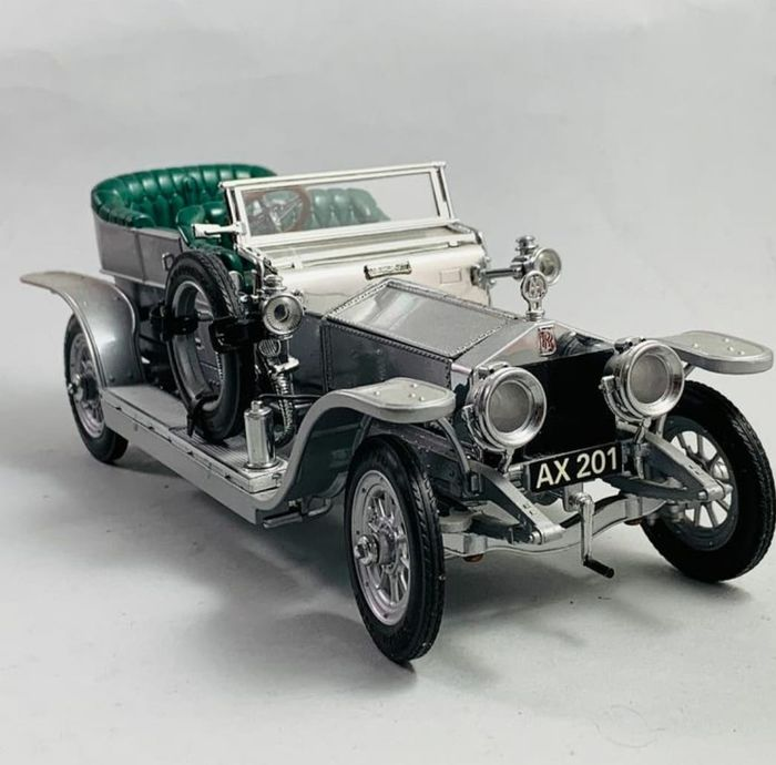 Franklin Mint - 1:24 - Rolls Royce Silver Ghost 1907 Sterling Plated Parts Very Detailed 150 Parts
