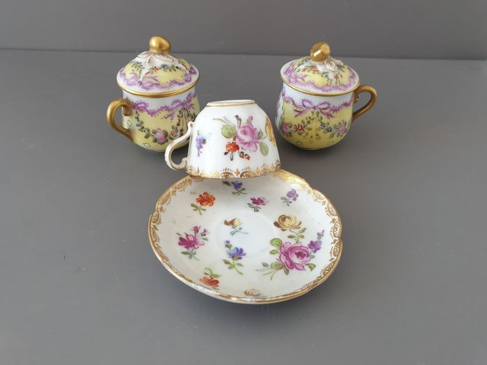 Dresden - Helena Wolfsohn - Cup and saucer and 2 hand painted decorative cream pots (3) - Porcelain
