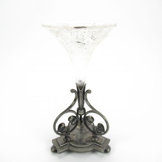 James Dixons & Sons - Vase in silver-plated holder (1) - Silver plated
