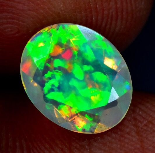 Opal Oval Faceted - 4×7×9 mm - 0.27 g - (1)